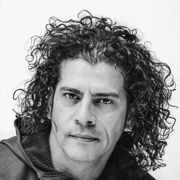 Roberto Echevarria